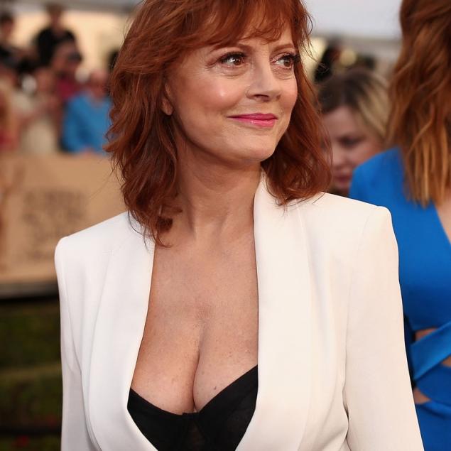El escote de Susan Sarandon o el 'problema' de ser sexy a los 69 en Hollywood