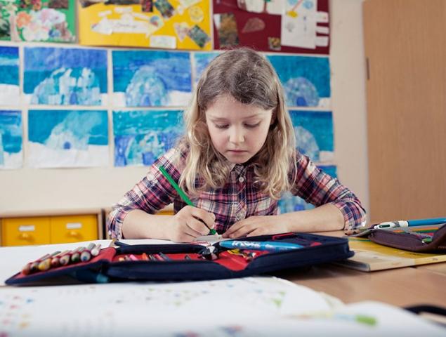 http://smoda.elpais.com/moda/llevarias-a-tu-hijo-a-una-escuela-donde-el-decide-lo-que-estudiar/