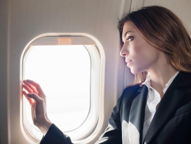 ¿Qué le ocurre a nuestra piel cuando volamos?