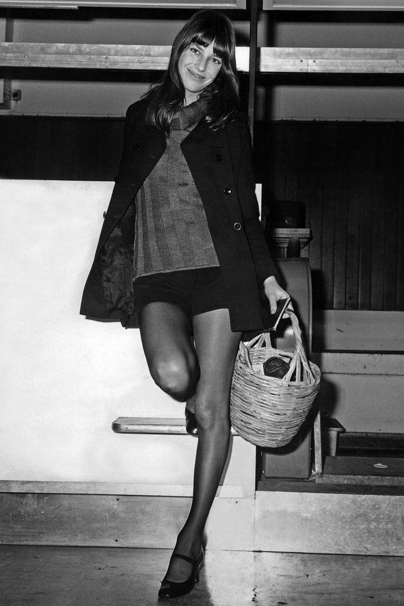 Jane Birkin luciendo el diseño en 1971.