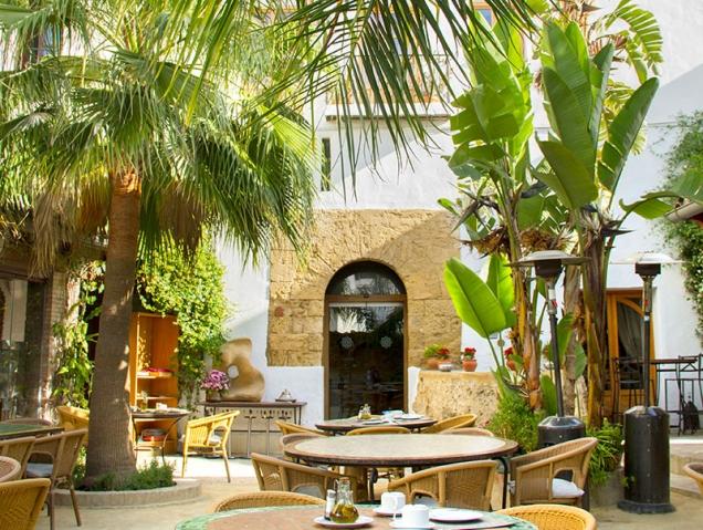 Los 9 mejores restaurantes para cenar en un jardín (que no en una terraza)