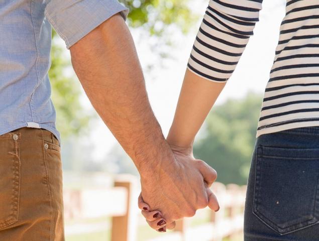10 frases que no debes decir a una pareja que quiere tener hijos (y no lo consigue)