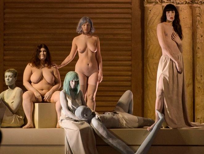 Las esculturas vivientes de Kenzo