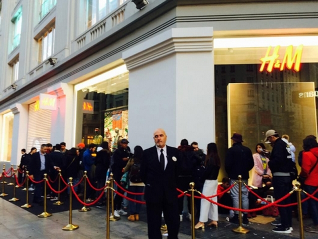 Sí, la gente ha acampado toda la noche para comprar la colección de Kenzo para H&M