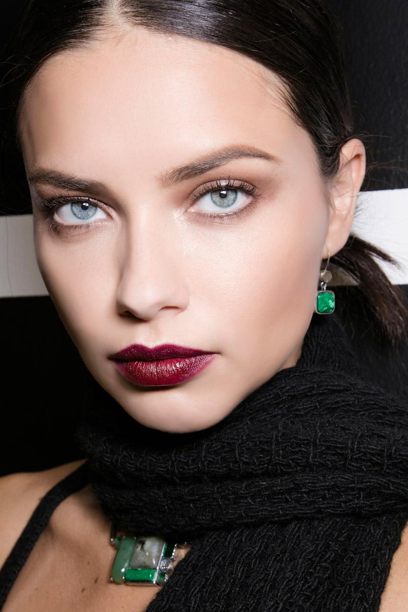 Los labios oscuros son una de las tendencias del momento. En la imagen, los que propone Bottega Veneta para este invierno.