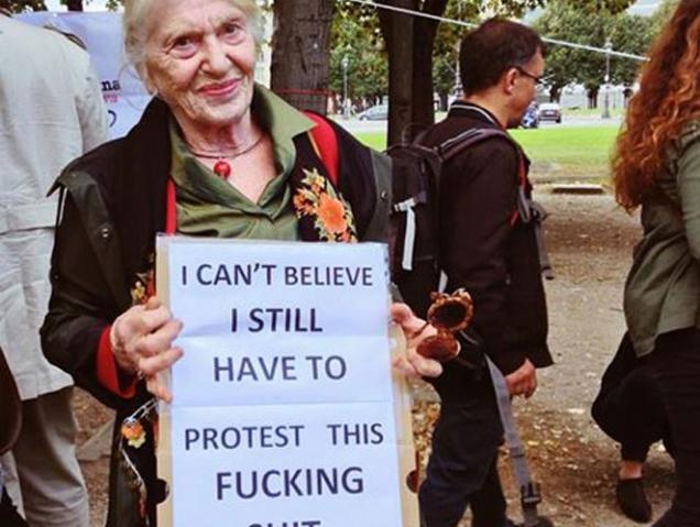 Los mejores lemas y pancartas de la marcha de las mujeres