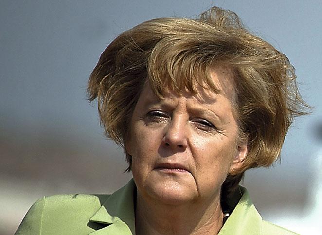 Pelirroja alemana de pelo corto - 3 1