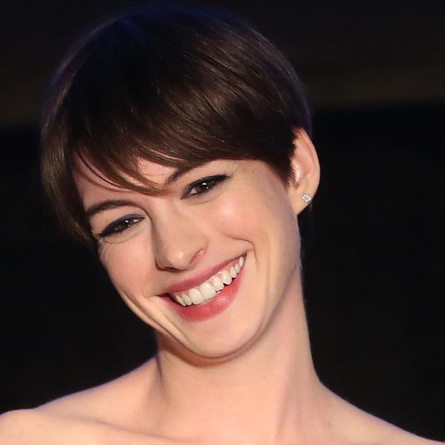 Hathaway dentro